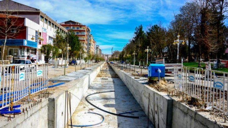 Malatya Büyükşehir Belediyesi, Kanalboyu ikinci kısımda proje çalışmalarına tüm hızıyla devam ediyor.