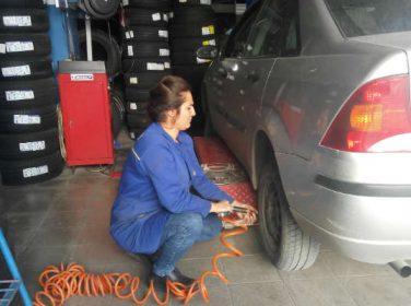 Malatya'da Bayan Lastikci Şaşırttı