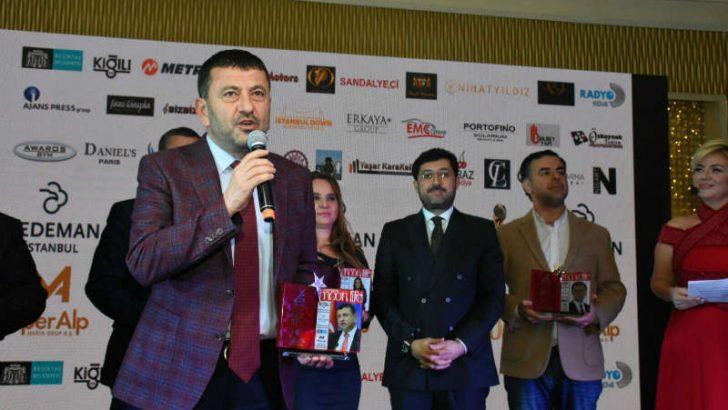 CHP Genel Başkan Yardımcısı ve Malatya Milletvekili Veli Ağbaba,Moon Life dergisi tarafından yılın en iyi siyasetçisi seçildi.