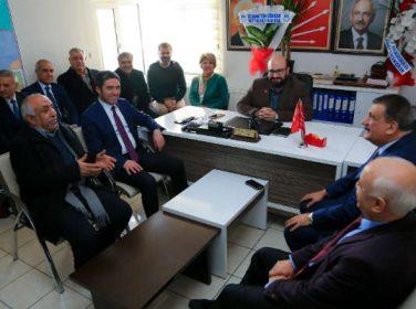 """Battalgazi Belediye Başkanı Gürkan, """"Siyasi partiler demokrasimizin temel unsurudur"""" dedi."""