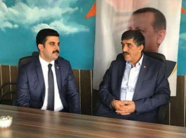 AK Parti Malatya Milletvekili Aday adayı Nail Tuna Hekimhan ve Arapgir ilçe teşkilatlarını ziyaret etti.