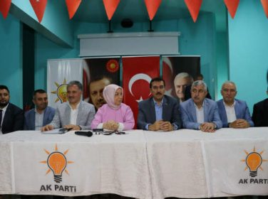 AK Parti heyeti, 24 Haziran seçimleri çalışması kapsamında Hekimhan İlçesi'ne ziyarette bulundu.