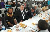 MHP Malatya Milletvekili Aday Adayı Berkan Samanlıoğlu, iftarını vatandaşlarla birlikte yaptı