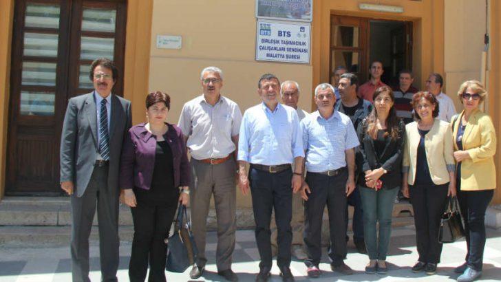 CHP Malatya Milletvekili Veli Ağbaba : FETÖ ile mücadele konusunda AKP'nin samimi olmadığını tüm dünya biliyor.