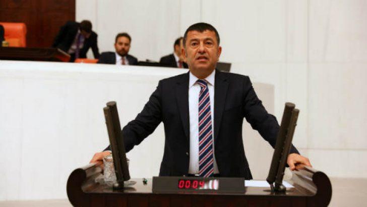 """Ağbaba, İnönü Stadyumu'nun törenle yıkılmasını da eleştirerek """"Yıkmak istedikleri stadyum değil, İnönü'nün ismi"""" dedi."""