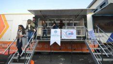 AFAD Deprem Simülasyon Tırında Malatya Turgut Özal Üniversitesi'nde de öğrencilere yönelik uygulamalı ve teorik olarak eğitim verildi.