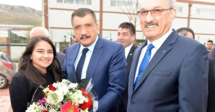 Başkan Gürkan, Özel Doğa Anadolu Lisesi Öğrencileri İle Bir Araya Geldi