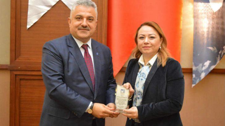 """Rektör Karabulut, Kadın muhasebecilerle buluştu """"Yeni bir üniversite Malatya'yı güçlendiriyor"""""""