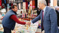 İYİ Parti Battalgazi Belediye Başkan Adayı Ali Ekinci, seçim gezileri kapsamında Malatya Park AVM, Hanımı Çiftliği, Zafer ve Göztepe Mahallelerinde esnaf ziyareti yaptı, halkın sorununu dinledi.