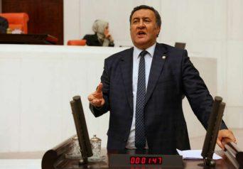 Ömer Fethi Gürer, yurtdışına kaçan ve sığınan Türk vatandaşlarının sayısını sordu, Bakan Çavuşoğlu rakam vermedi.