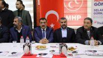 Gürkan, Akçadağ ilçesi mahalle muhtarlarıyla Galip Demirel Çınar Park Sosyal Tesisleri'nde bir araya geldi.