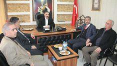 Marasalı, beraberinde partililer ile birlikte Adıyamanlılar Dayanışma Derneği Başkanı Melik Demirbay'ı ziyaret etti.
