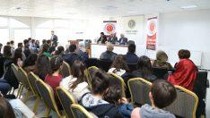 Güder, Malatya Gençlik Federasyonu tarafından düzenlenen 'Birlik ve Beraberlik Buluşması'na konuşmacı olarak katıldı.