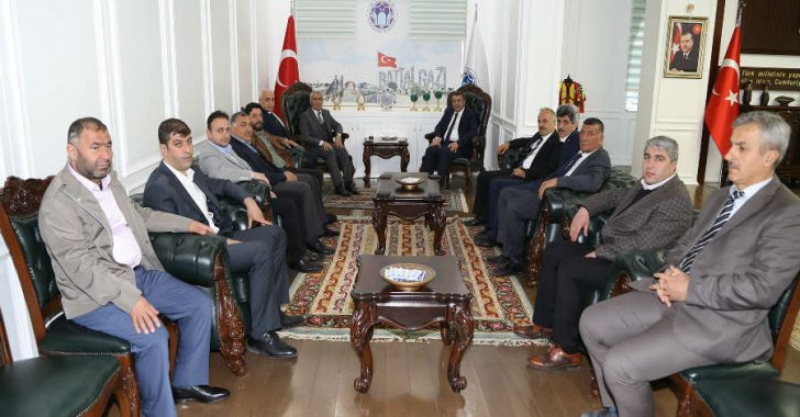 Malatya Ticaret Borsası Başkanı Ramazan Özcan, Battalgazi Belediye Başkanı Osman Güder'i ziyaret ederek, yeni görevinin hayırlı olması temennisinde bulundu