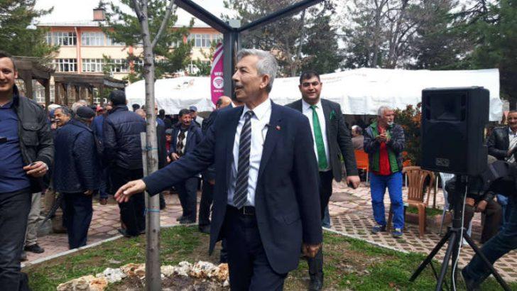 Malatya'nın Arapgir ilçesi Belediye Başkanı Haluk Cömertoğluteşekkür yemeği verdi