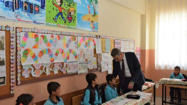 Vali Aydın Baruş Şehit Seracettin Kılınç İmam Hatip Ortaokulunu Ziyaret Etti