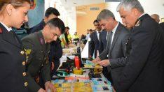 Vali Baruş, Trafik Haftası dolayısıyla Kongre ve Kültür Merkezinde düzenlenen törene katıldı.