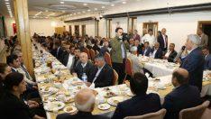 Battalgazi Belediye Başkanı Osman Güder, Battalgazi ilçesine bağlı mahalle muhtarları ile iftarda bir araya geldi.