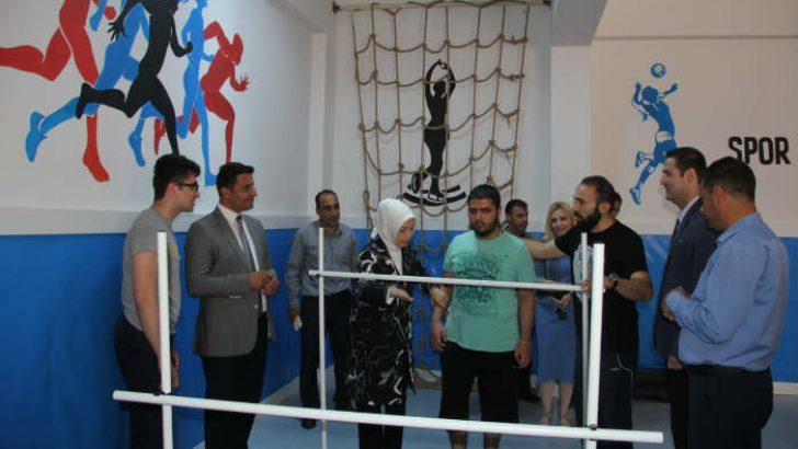 AK Parti Malatya Milletvekili ve MKYK Üyesi Öznur Çalık, İbni Sina Özel Eğitim Uygulama Okulunda Spor Salonu açılışına katıldı