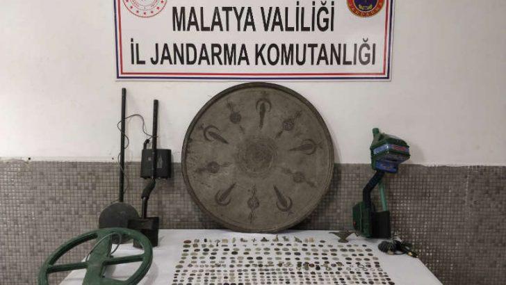Malatya'da Frig, Roma ve Bizans Dönemine ait olduğu değerlendirilen tarihi eserler ele geçirildi