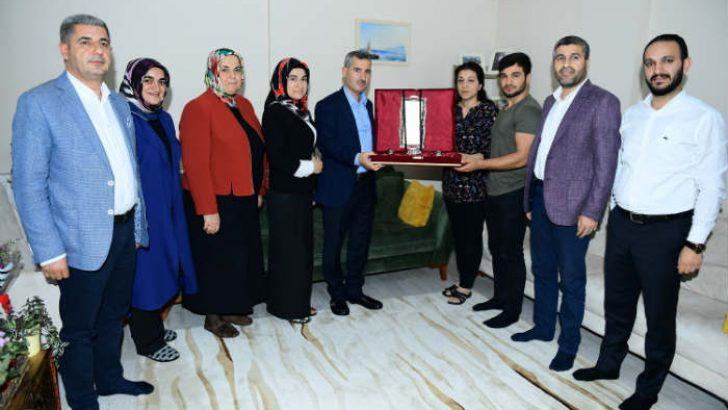 Çınar, Şehit Polis Memuru Yusuf Kenan Mutlu'nun Aile Fertleri Ziyaret Etti