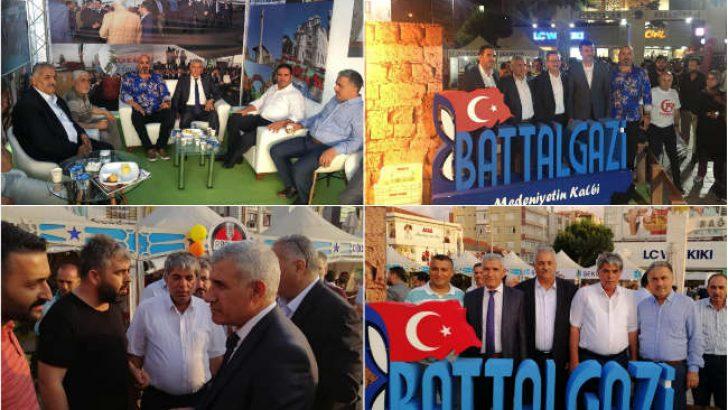 Battalgazi Belediye Başkanı Osman Güder,1. Malatya Kayısı Festivali'ne katıldı.