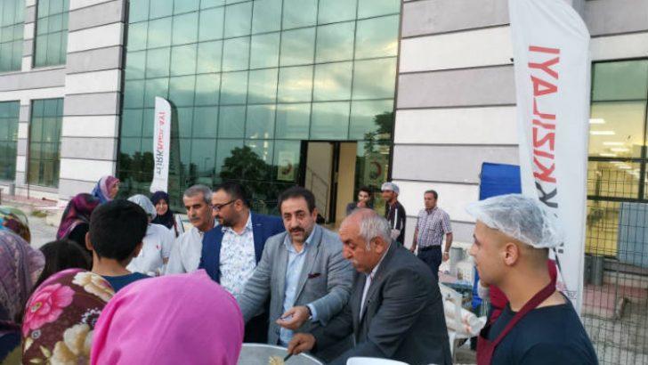 TÜMSİAD İle Türk Kızılay'ı Hasta Ve Hasta Yakınlarına İftar Verdiler