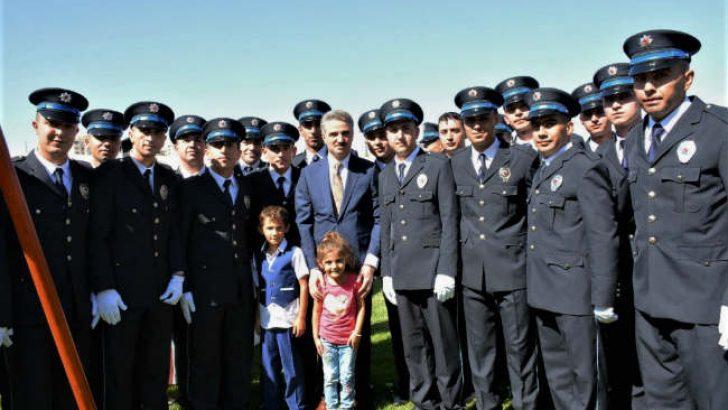 Malatya Polis Meslek Eğitim Merkezi'nde (POMEM) 383 polis, düzenlenen törenle mezun oldu.