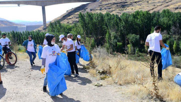 """Başkan Çınar, """"Çevre bilinci arttıkça Yeşilyurt'umuz daha temiz ve daha yaşanır olacaktır"""