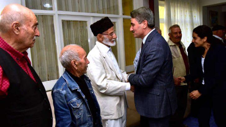 Vali Baruş, Huzurevi ve Yaşlı Bakım Merkezini ziyaret etti