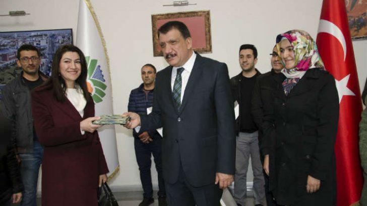 Öğretmenlerden Gürkan'a Anlamlı Ziyaret