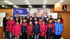 Malatya'da 444 Çocuğa Kışlık Mont Dağıtıldı