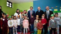 Gürkan Yerli Malı Haftası dolayısıyla gerçekleştirilen programa katılarak çocuklarla bir araya geldi.