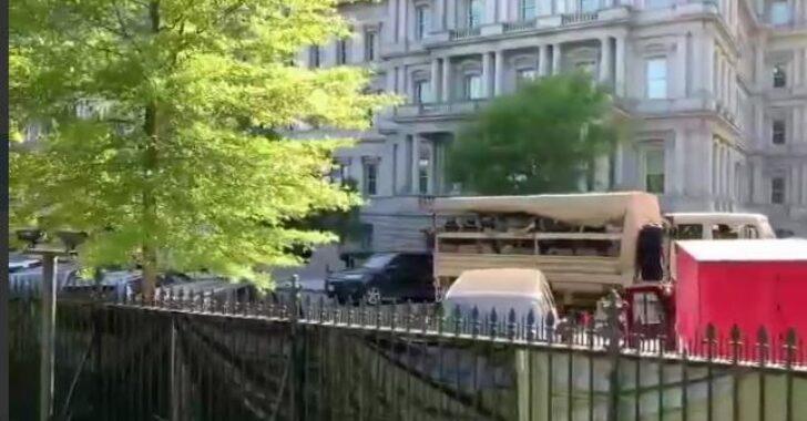 ABD ordusu Beyaz Saray etrafına konuşlandırılıyor.