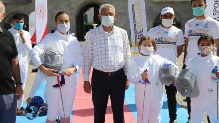 Avrupa Spor Haftası, Battalgazi'de bulunan Tarihi Silahtar Mustafa Paşa Kervansaray'ında coşkuyla kutlandı.