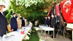 Vali Baruş, Kuluncak İlçesinde Muhtarlarla Toplantı Düzenledi