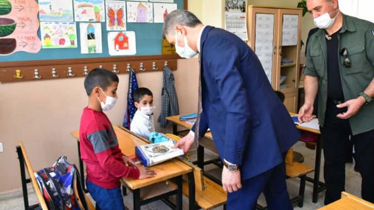 Vali Aydın Baruş, Hacı Halil Çiftliği İlkokulu ve Malatya Spor Lisesini ziyaret etti