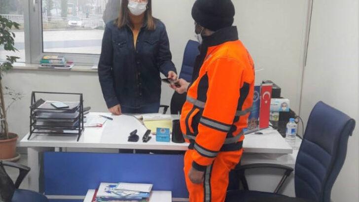 Temizlik görevlisi Ferhat Karabağ, örnek bir davranışa daha yine imza attı.