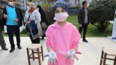 """Battalgazi Belediyesi tarafından 2 Nisan Dünya Otizm Farkındalık günü kapsamında """"Otizme Mavi Işık Yak"""" etkinliği düzenlendi."""
