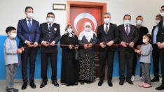 Battalgazi Belediyesi ve Malatya Emniyet Müdürlüğü işbirliği ile Tevfik Memnune Gültekin İlkokulu'nda özel bir kütüphane kuruldu.