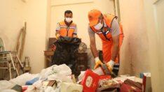 74 yaşındaki kadının yardımına Battalgazi Belediyesi ekipleri yetişti