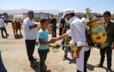 Arefe günü Canlı Hayvan Pazarı ziyaretçi akını yaşıyor.