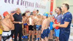 'Battalgazili Gençler Sporla Hayat Buluyor' projesi kapsamında açılan yüzme kursu, gençler tarafından büyük ilgi görüyor.