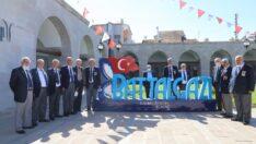 Türkiye Muharip Gaziler Derneği üyeleri ve yakınları, Battalgazi'de hayata geçirilen yatırımları ve tarihi mekanları gezdi